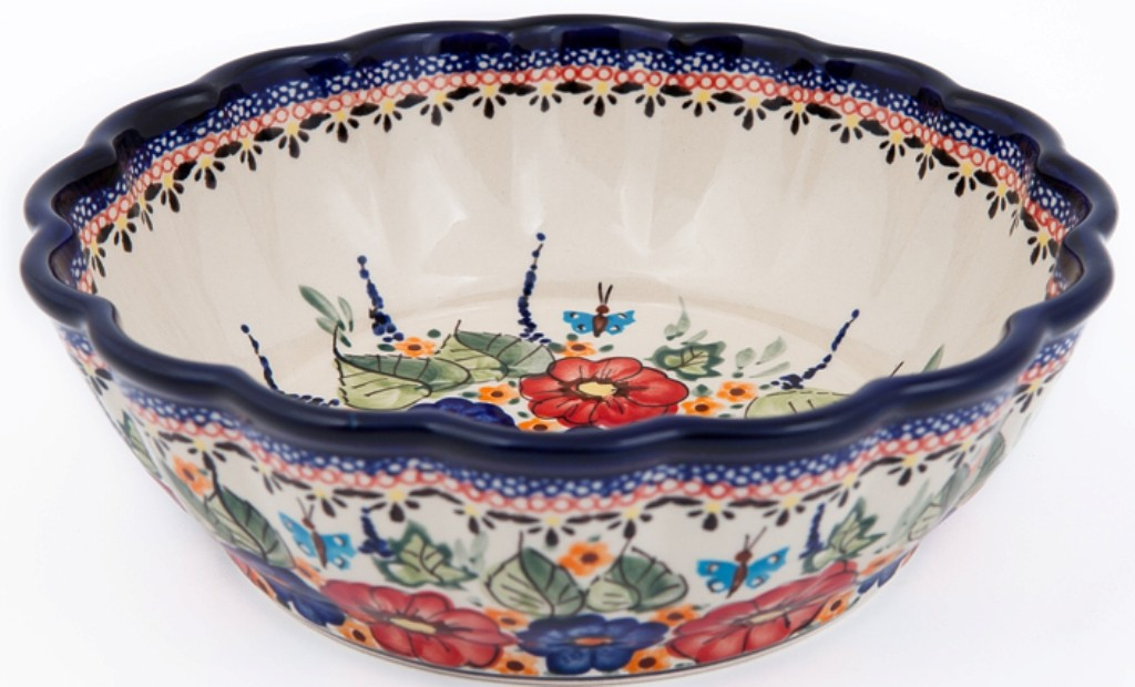 Pottery Avenue Scalloped Serving Bowl   UNIKAT