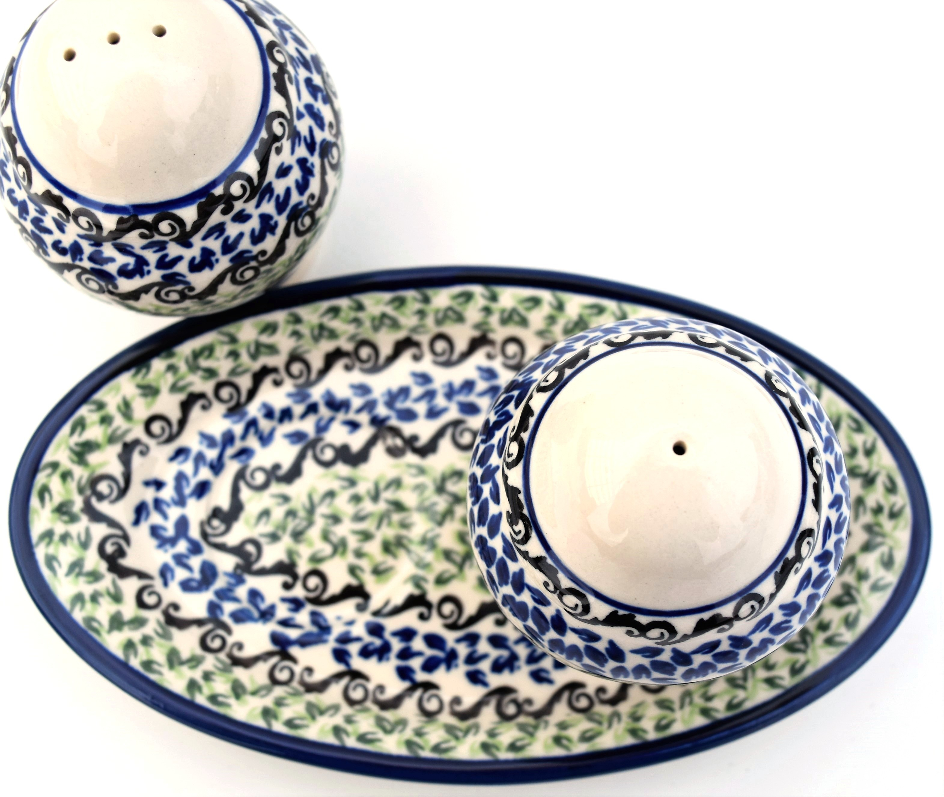 Pottery Avenue Celebrate 3pc Stoneware Salt and Pepper with Tray