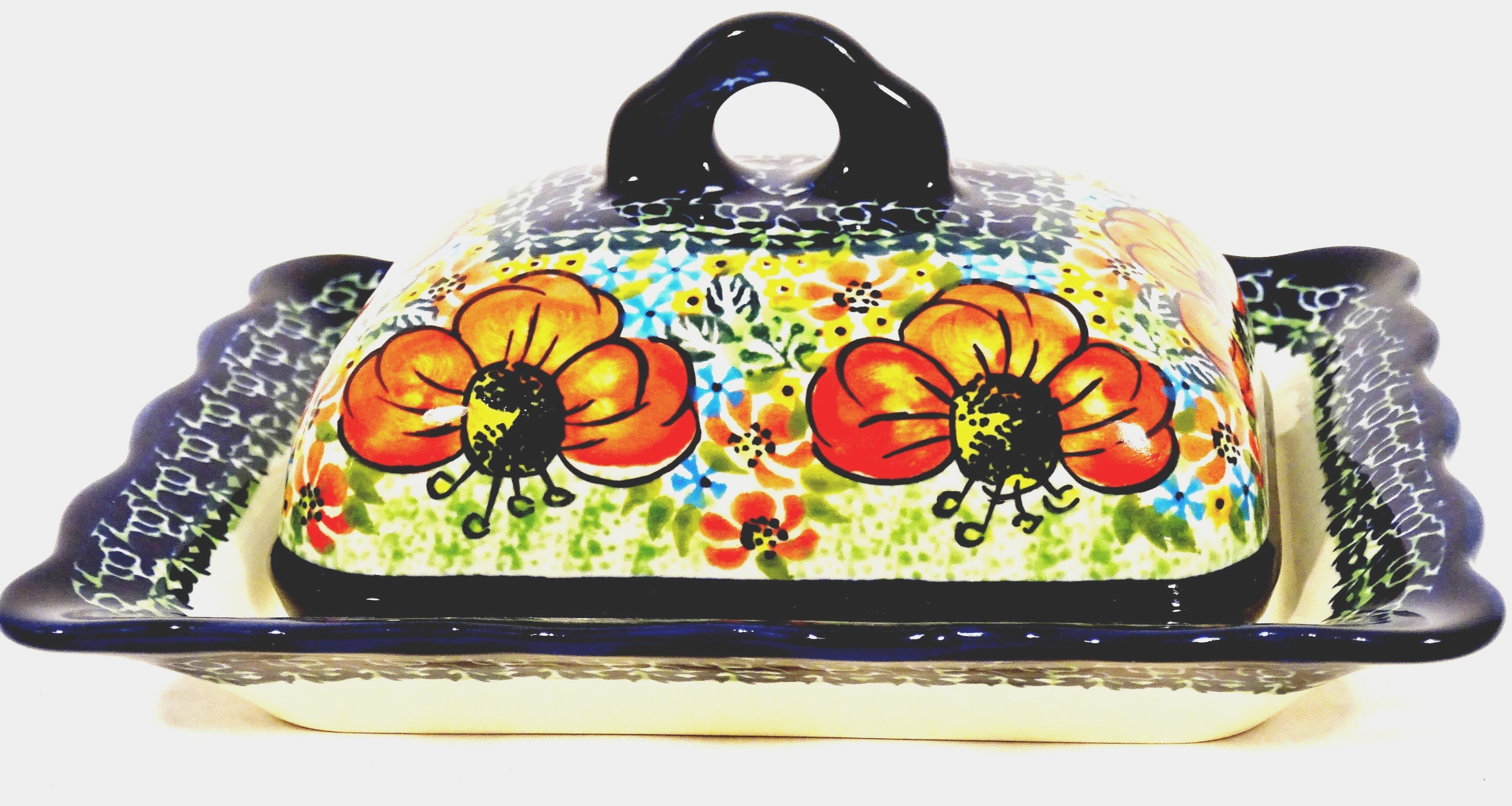 Pottery Avenue Fancy Scalloped Covered Butter Dish - 1568-296AR Champagne