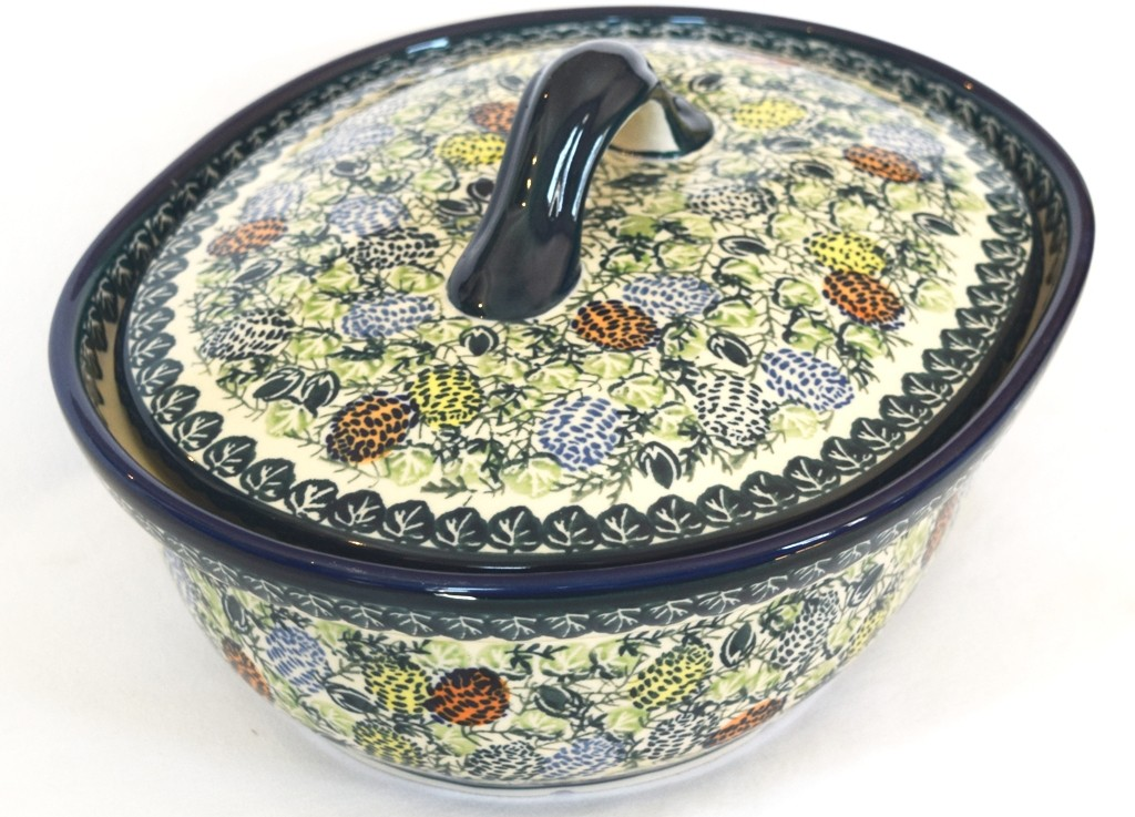 Polish Pottery PINECONE 1.5L Covered Casserole | ARTISAN