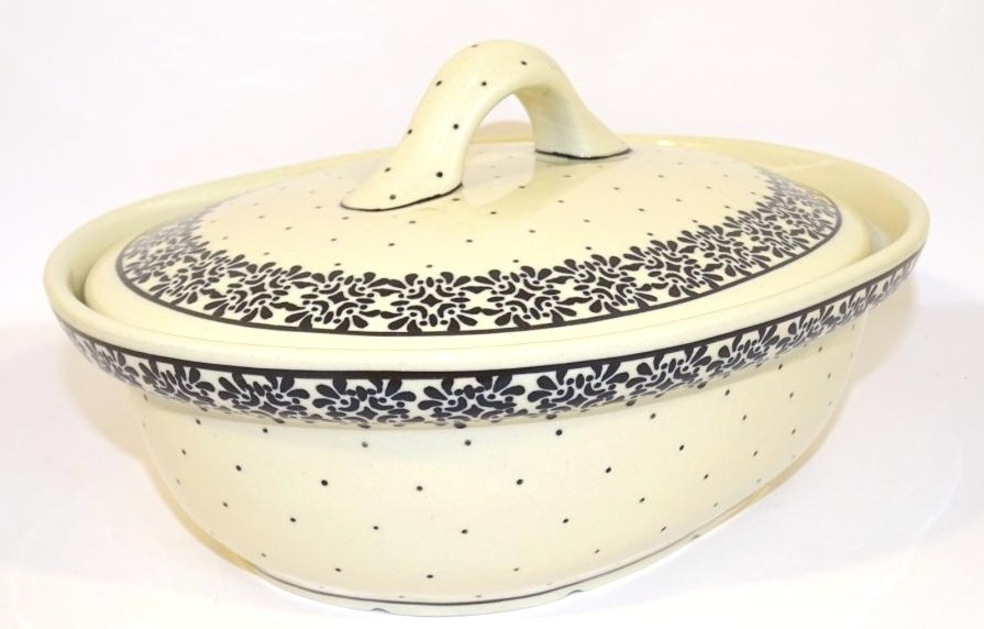 Polish Pottery TRENDY TIMES 1.5L Covered Stoneware Casserole | CLASSIC