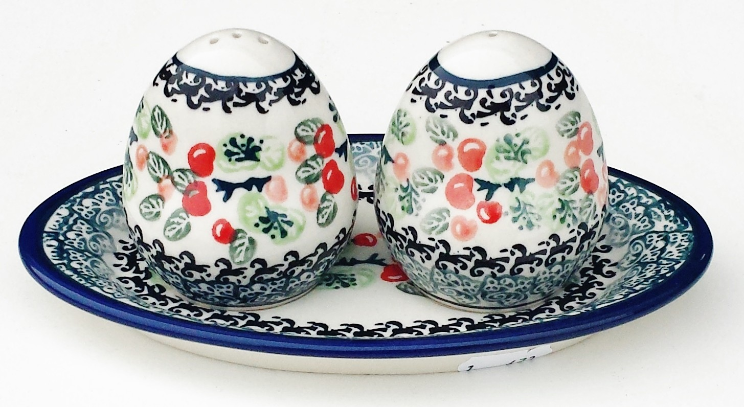 Pottery Avenue DU158 3pc Stoneware Salt and Pepper with Tray
