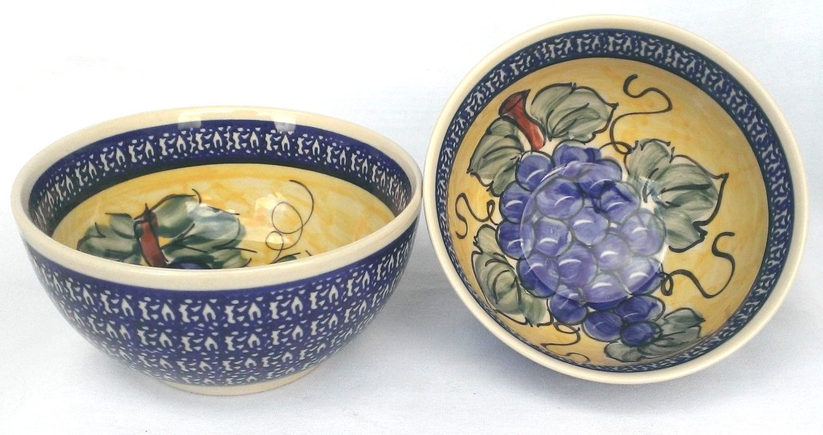 Pottery Avenue Grapes 2 Cup Stoneware Cereal Bowl