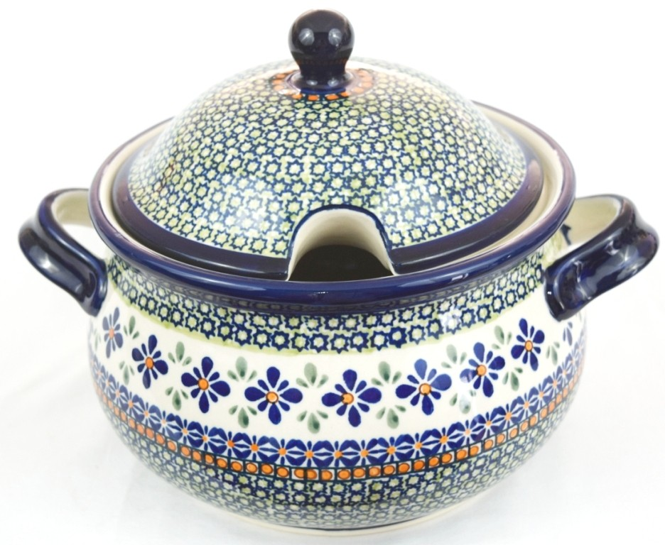 Pottery Avenue 12.5-Cup Soup Tureen | Apprentice